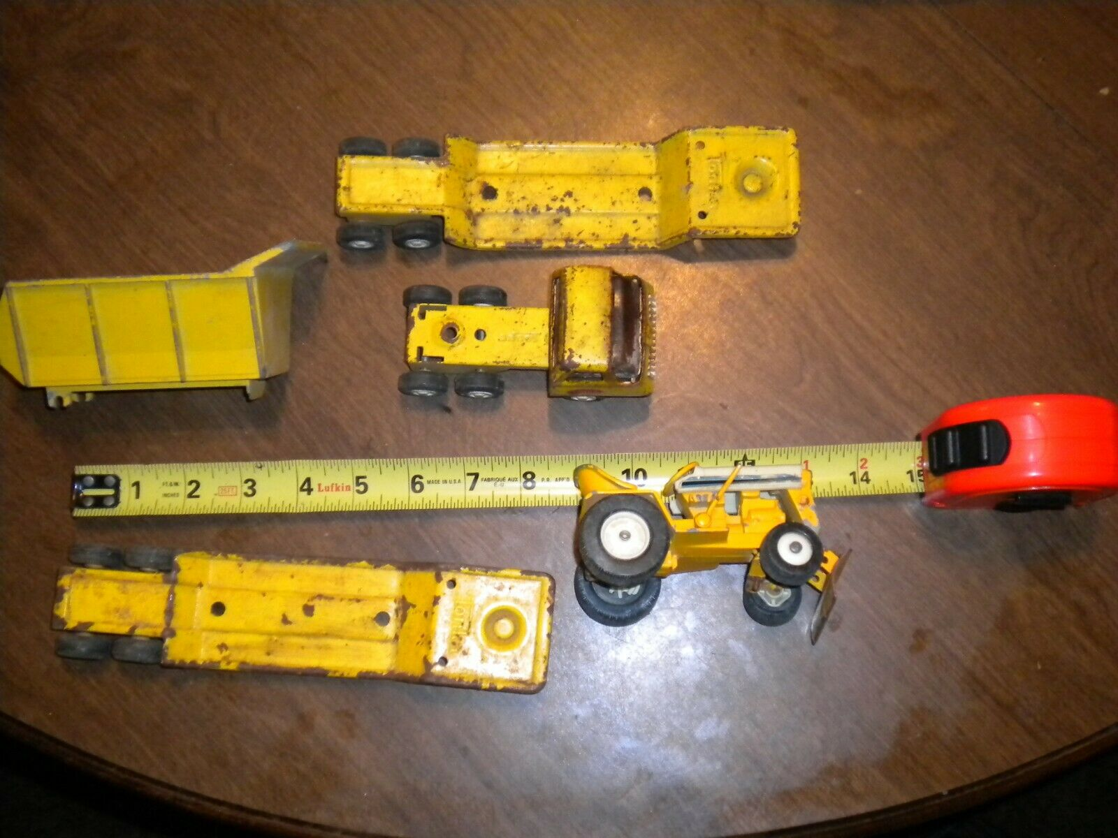 VINTAGE- Tonka lot of pressed steel toys       ESTATE SALE