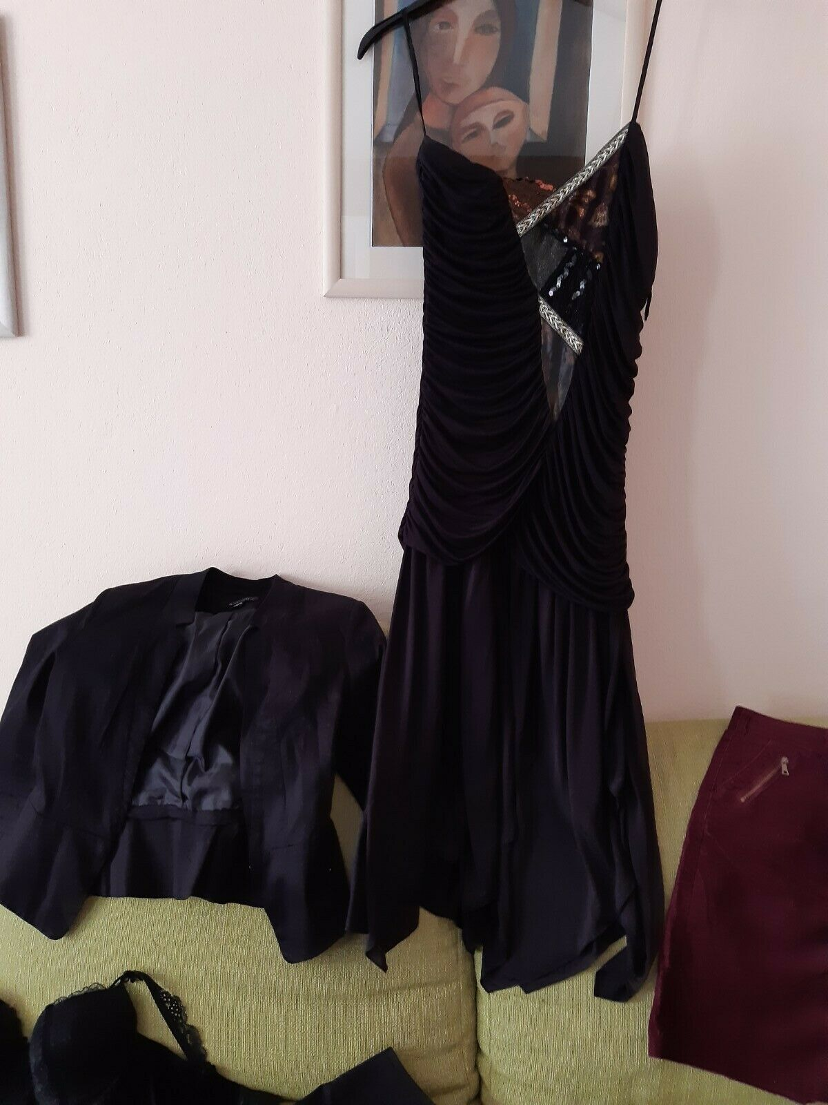 17-teiliges Kleidungsset, Hose, Rock, Kleid, Dirndl, Jacke, Set, Größe S, Herbst