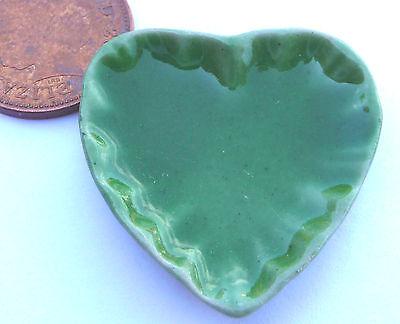 Escala 1:12 1 gran plato de Corazón de Cerámica Verde 3.5cm X 3.3cm tumdee Casa De Muñecas G16