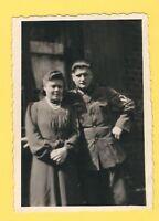 6/189 FOTO SOLDAT MIT FRAU - APRIL 1943