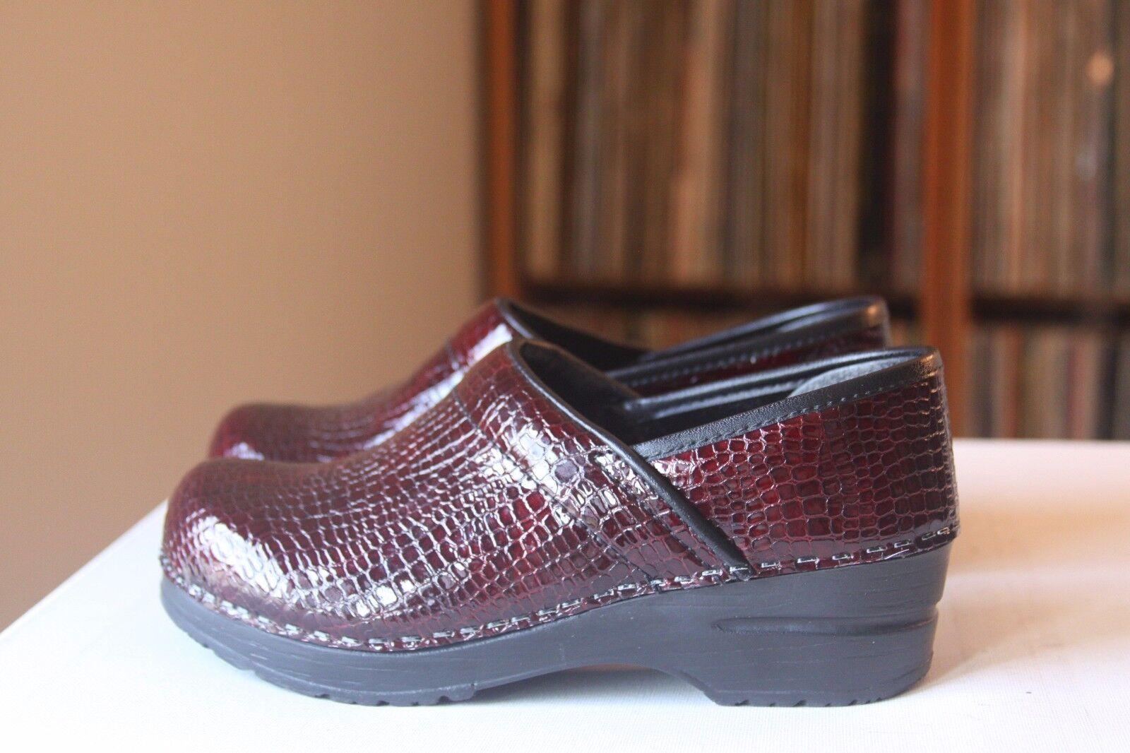 Sanita 36 Bordeaux Crocodile Embossed Patent Leather 5.5-6 Stapled Pro Clogs US 5.5-6 Leather d4646e
