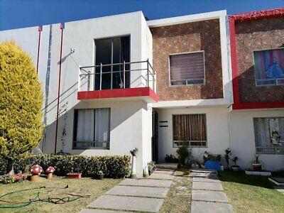 Se renta Hermosa Casa de 3 Recamaras con equipamiento Ubicada en La privada Villa Regina