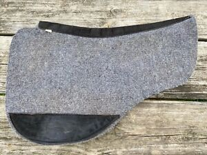 Used US made Toklat contoured round skirt wool blend felt Western pad
