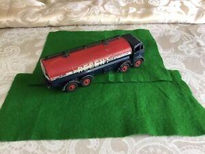 Dinky Toys 942 Foden Regent Tanker