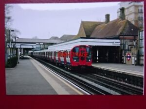 PHOTO-LONDON-TRANSPORT-UNDERGROUND-UNIT-21017-AT-RUISLIP-STATION