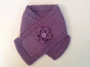Toddler-baby-scarf-mauve-Flower-trim-Girl-Stays-on-Cosy-Handknit-wool-New