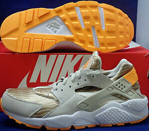 lowest price f60fe fe7d2 Image is loading Nike-Air-Huarache-Run-Light-Beige-Chalk-Atomic-