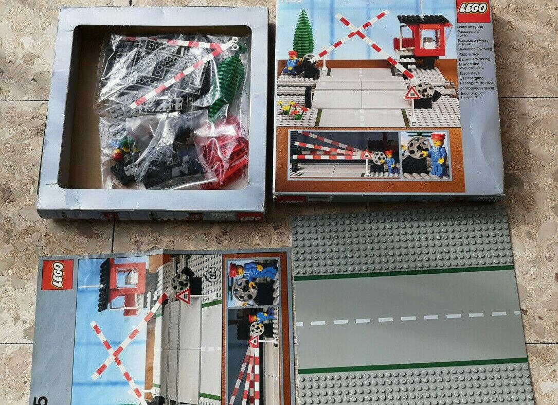 LEGO 7835 Level Crossing Manual Passaggio A Livello Manuale 1985 4,5V