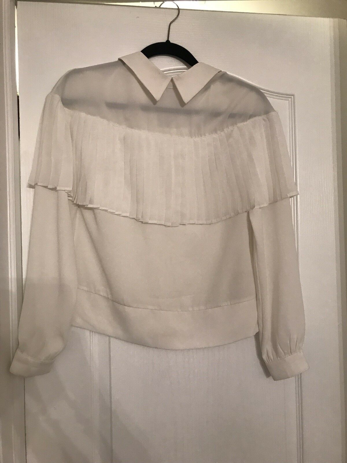 Belissa Weiß Blouse With Accordian Pleats NWT