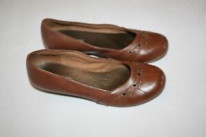 10aedf8766d04 Lower East Side Women s Brown Low Wedge Heels Slip-On Shoes 7 M