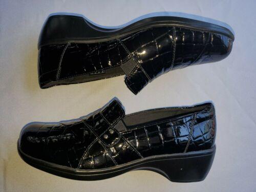 Clark's Women's May Marigold Slip -on Loafer black
