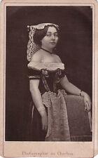 Photo cdv : Géruzet Frères ; Actrice en costume de tradition , vers 1875
