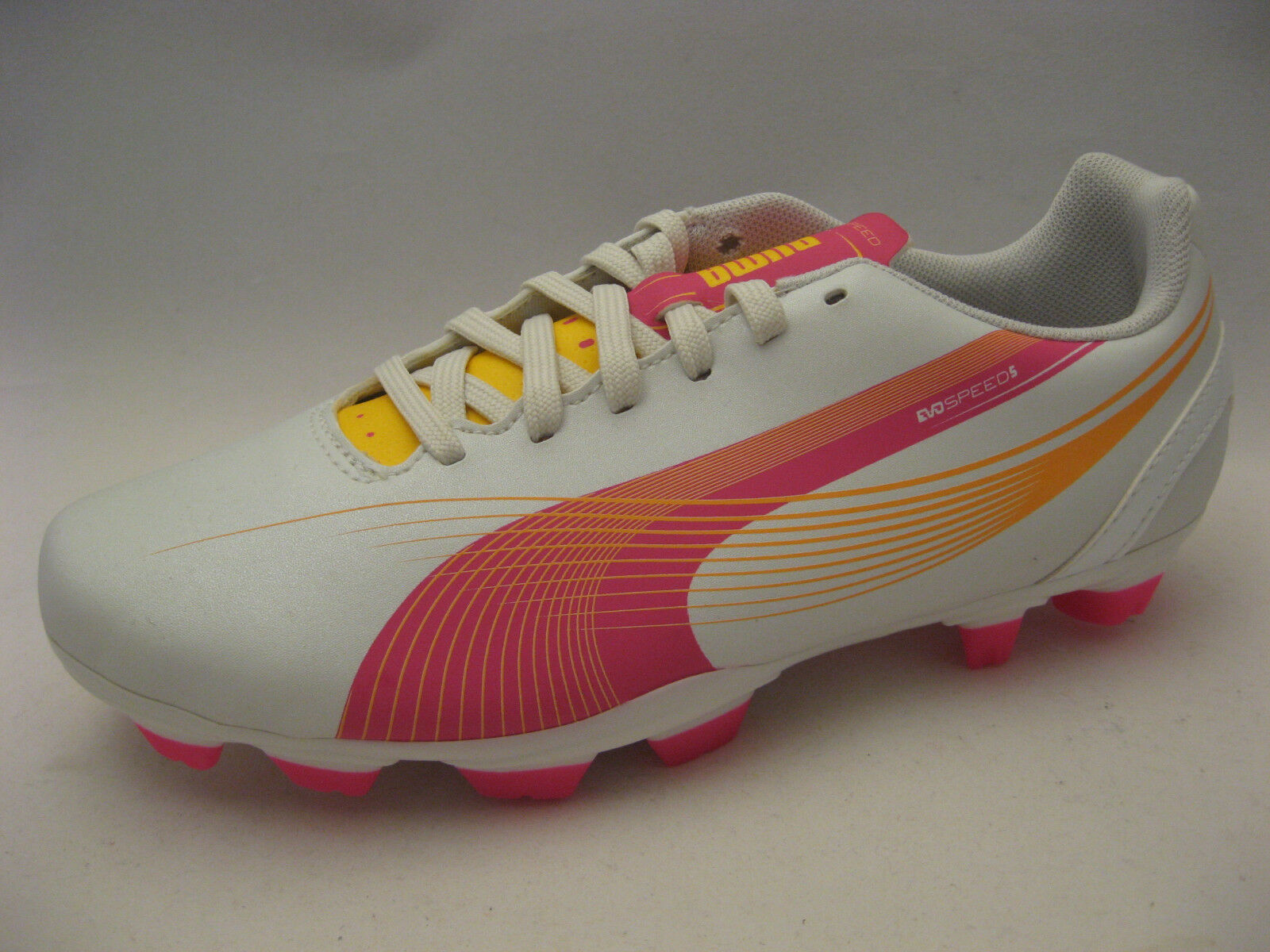PUMA Women evoSPEED 5.2 FG Soccer Cleats 6.5 Medium Pearlized White Pink orange