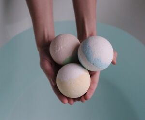 BATH-BOMB-MOULDS-MOLD-EGG-BALL-HEART-14-DIFFERENT-SHAPES-amp-SIZES-FREE-GIFT