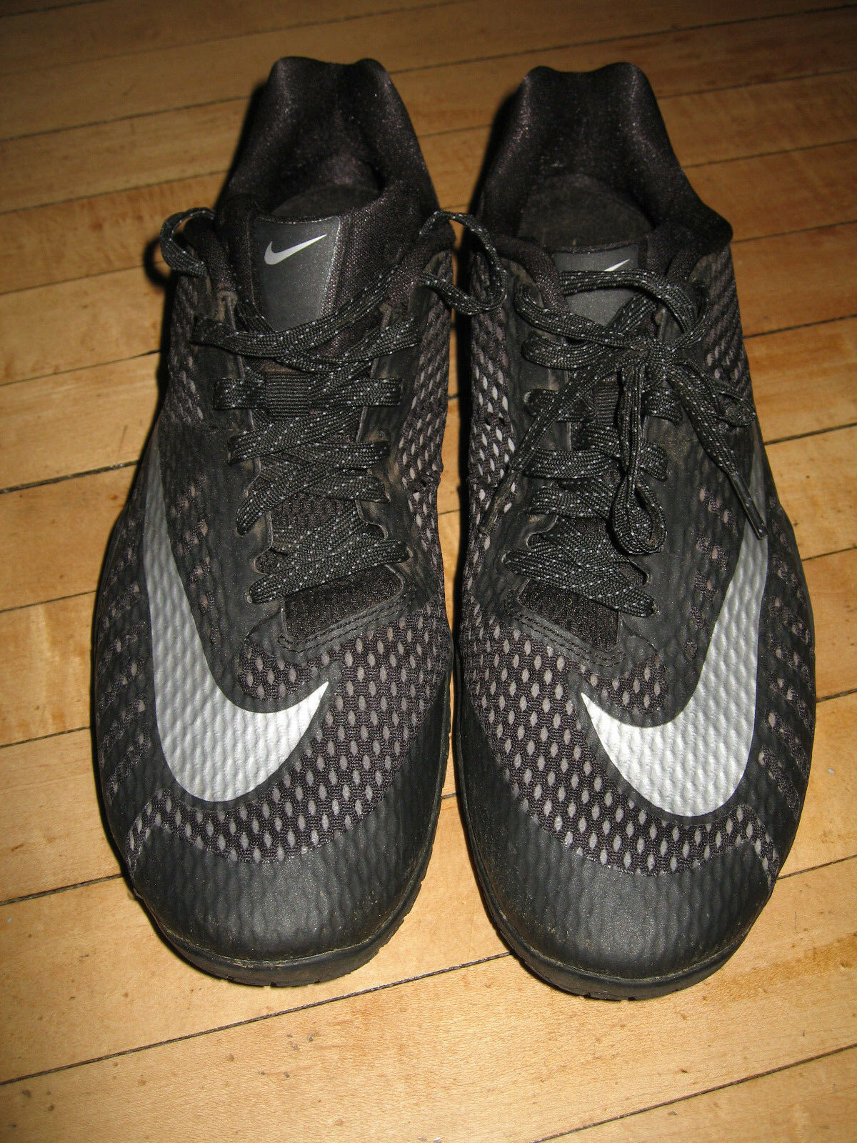 Pre-owned Nike HyperLive Black Silver Low Casual Basketball Sneakers Size 10.5