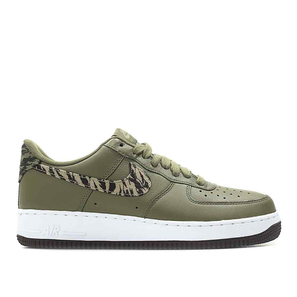 NIKE AIR FORCE 1 AOP CAMO  OLIVE   KHAKI   Weiß  AQ4131 200  UK 8, 9