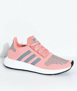separation shoes e49d7 2bff8 Image is loading Adidas-Swift-Run-Trace-Pink-amp-Grey-Women-