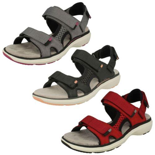Ladies Clarks Sports Sandals /'Un Roam Step/'