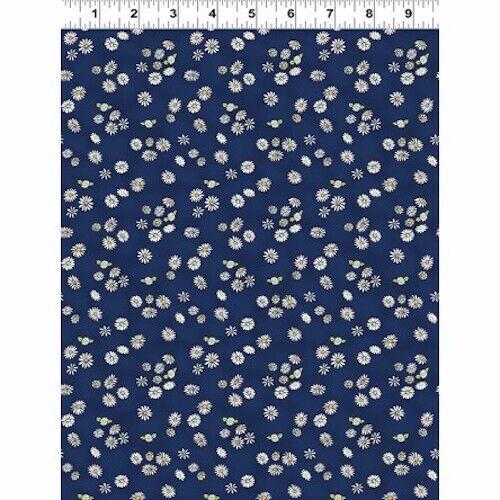 Clothworks DAISY DAISY NAVY DAISIES  100/% Cotton Fabric FQ//Metre