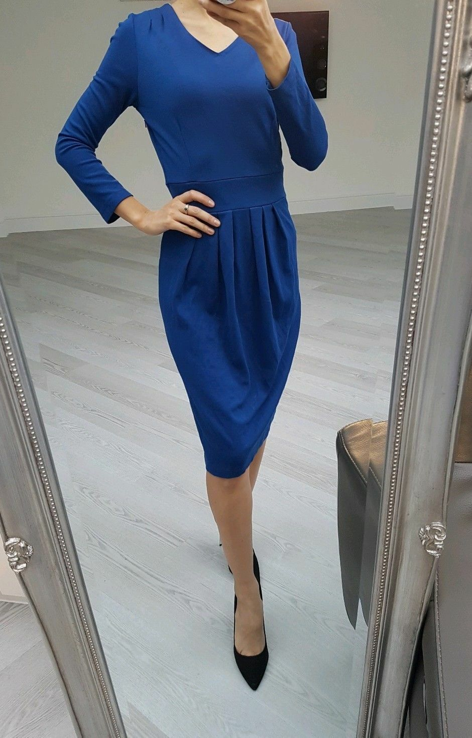 Hobbs beautiful bluee colour long sleeve dress size UK 8