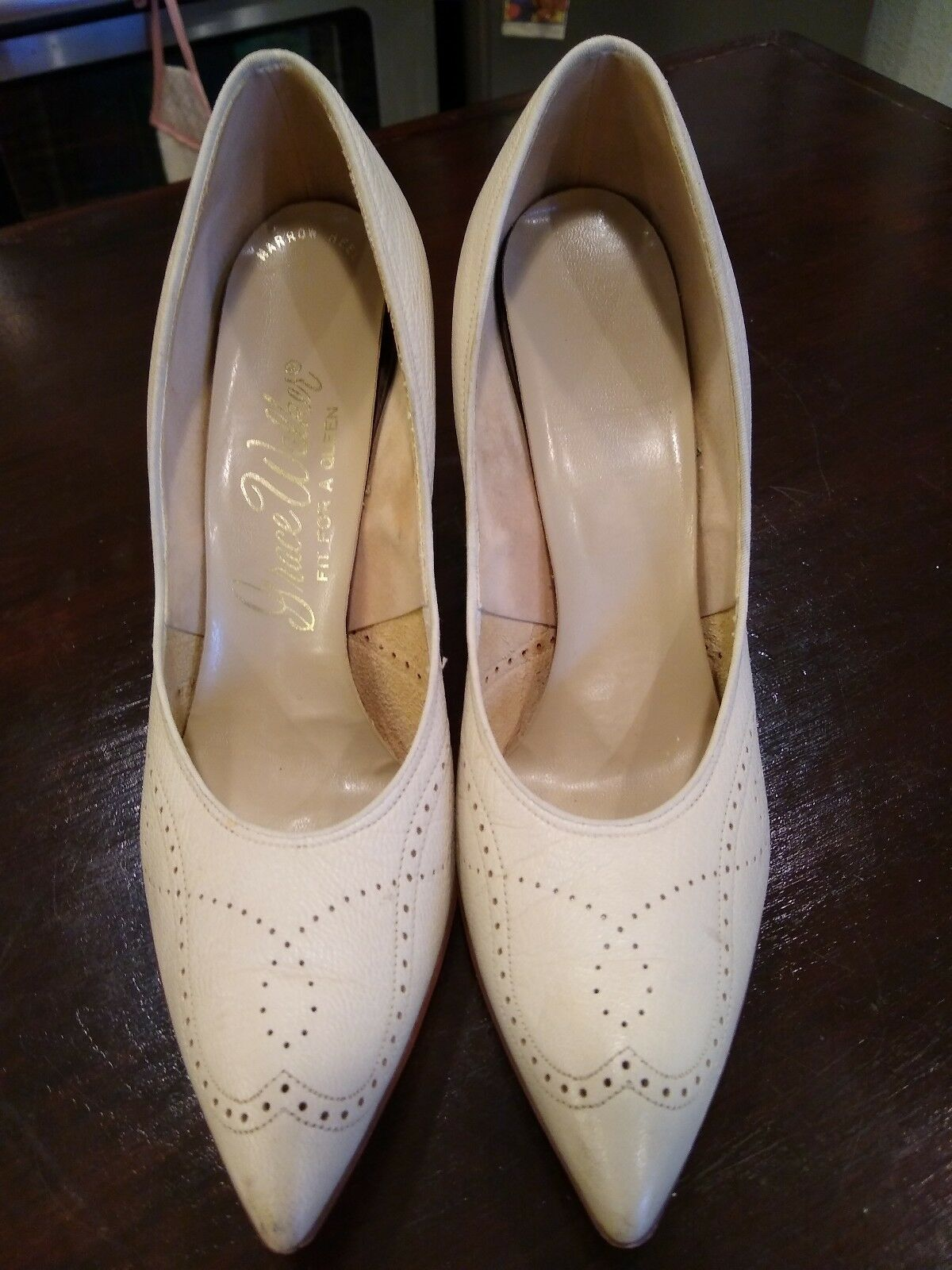 Vintage Beige Leather Grace Walker Walker Walker Stilleto Pumps Size 8.5 AA b21759