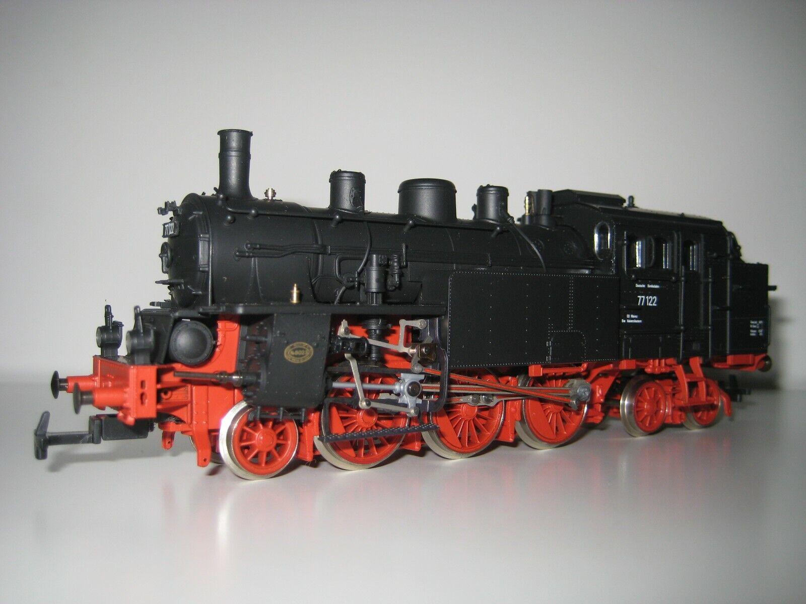 Rivarossi H0 1360  Locomotora a vapor BR 77 122 DRG