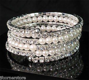 BRIDIAL-DIAMANTE-amp-PEARL-BANGLE-IN-GIFT-BOX-BEAUTIFUL-GIFT-BR97