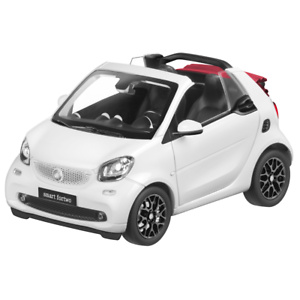 Smart Fortwo Fortwo Cabriolet A453 1 18 Model Car White B66960291