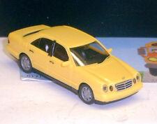 021814: Mercedes Benz  E280,  gelb