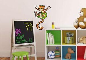 WandTattoo-Pettersson-und-Findus-Springender-Findus-Kinderzimmer-Wand-Deko