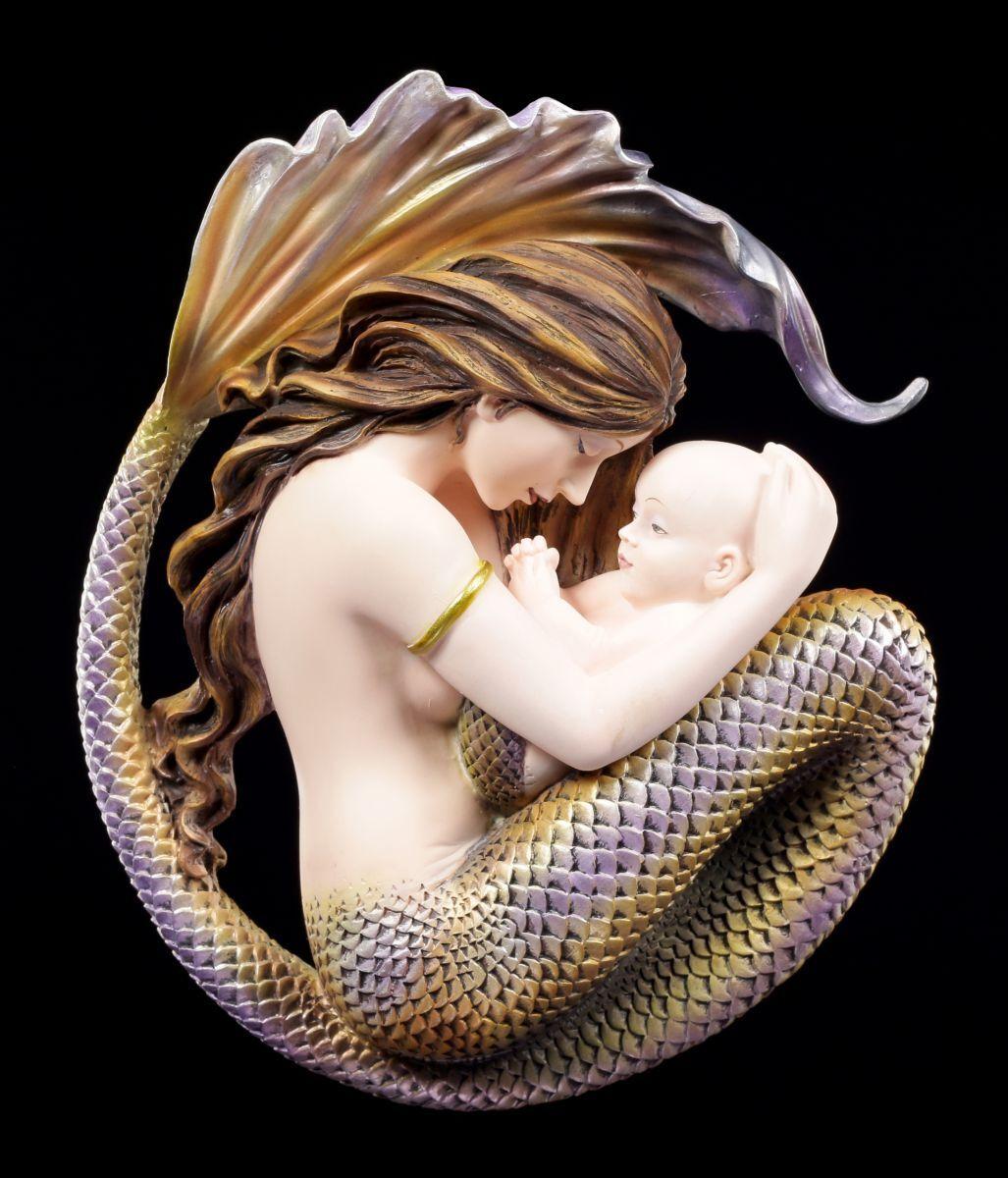 Parete Corse  Sirena con bambino  Motherhood By Selina Fenech  cifra fantasyc