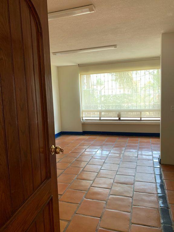 Casa ideal oficina a puerta cerrada
