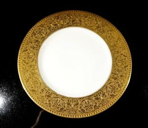 Beautiful-Hutschenreuther-Melb-Heavy-Gold-Encrusted-Dinner-Plate