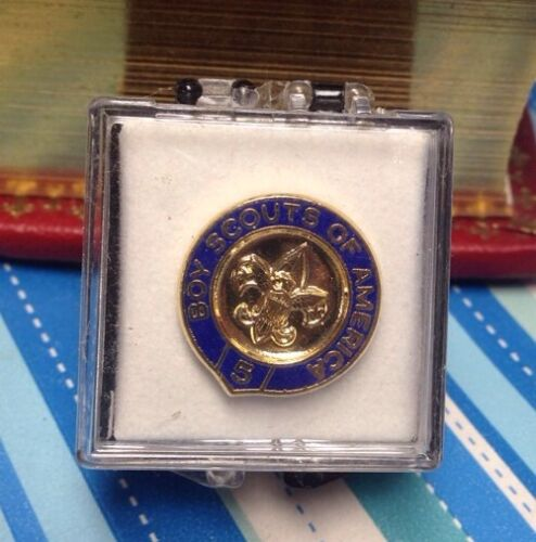 Boy Scouts Of America 5 Year Veteran Pin New With Little Box
