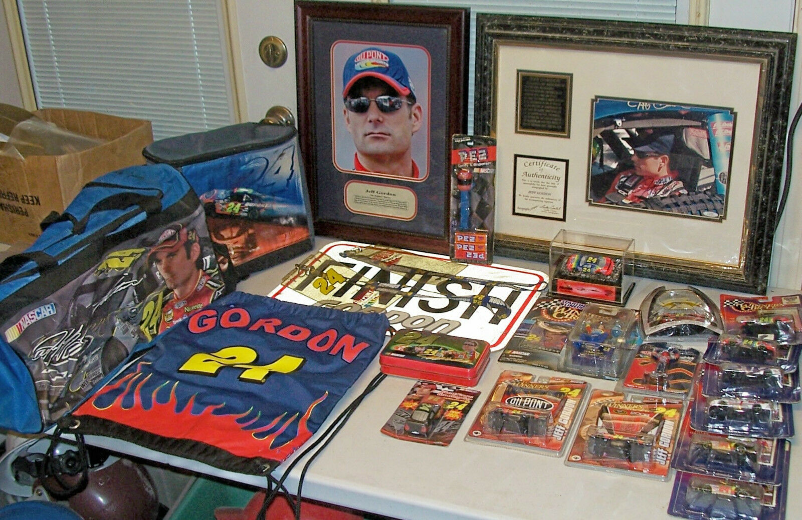 Jeff Gordon 24 NASCAR 1 64 Toy Model Car Autographed Signed Picture Collectible
