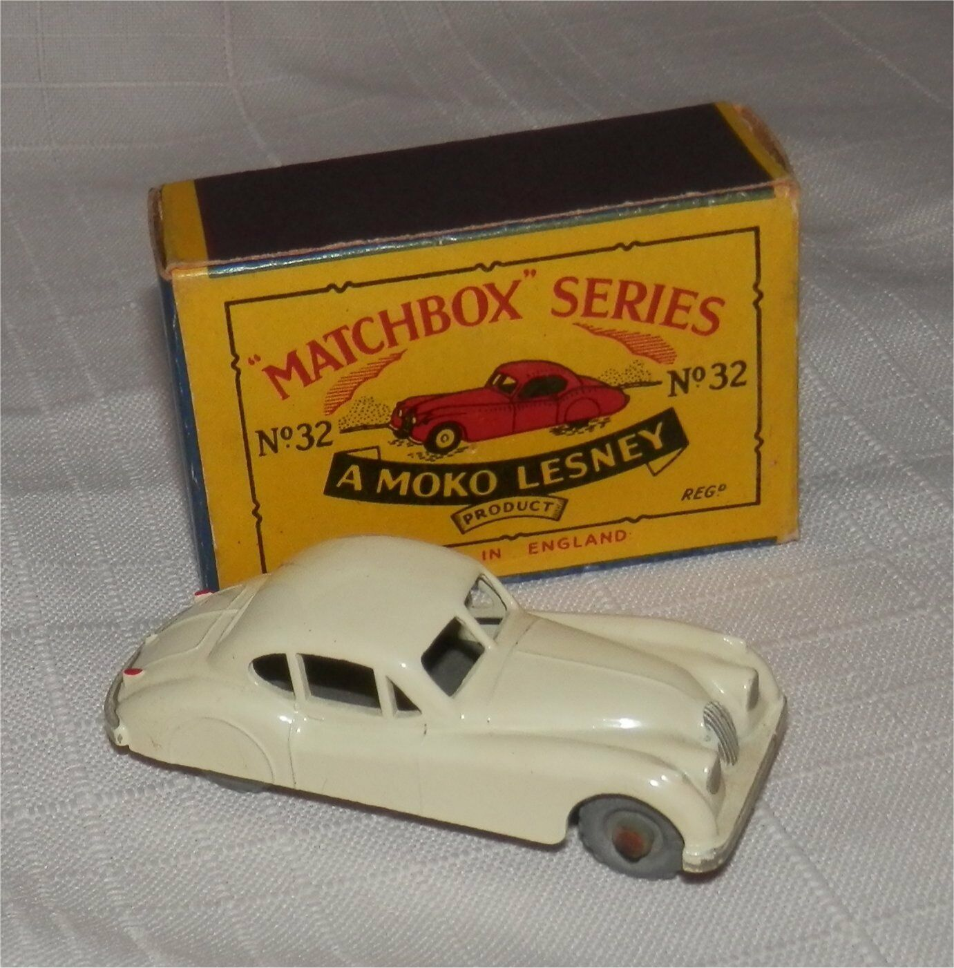 1950 S MATCHBOX LESNEY MOKO, 32 JAGUAR XK140 METAL WHEELS. Comme neuf in box. ORIGINAL