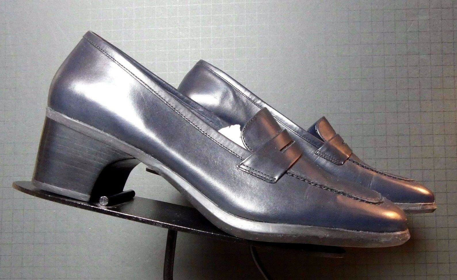 Women's Cole Haan City bluee Leather Classic Heeled Pumps Sz. 7B MINTY