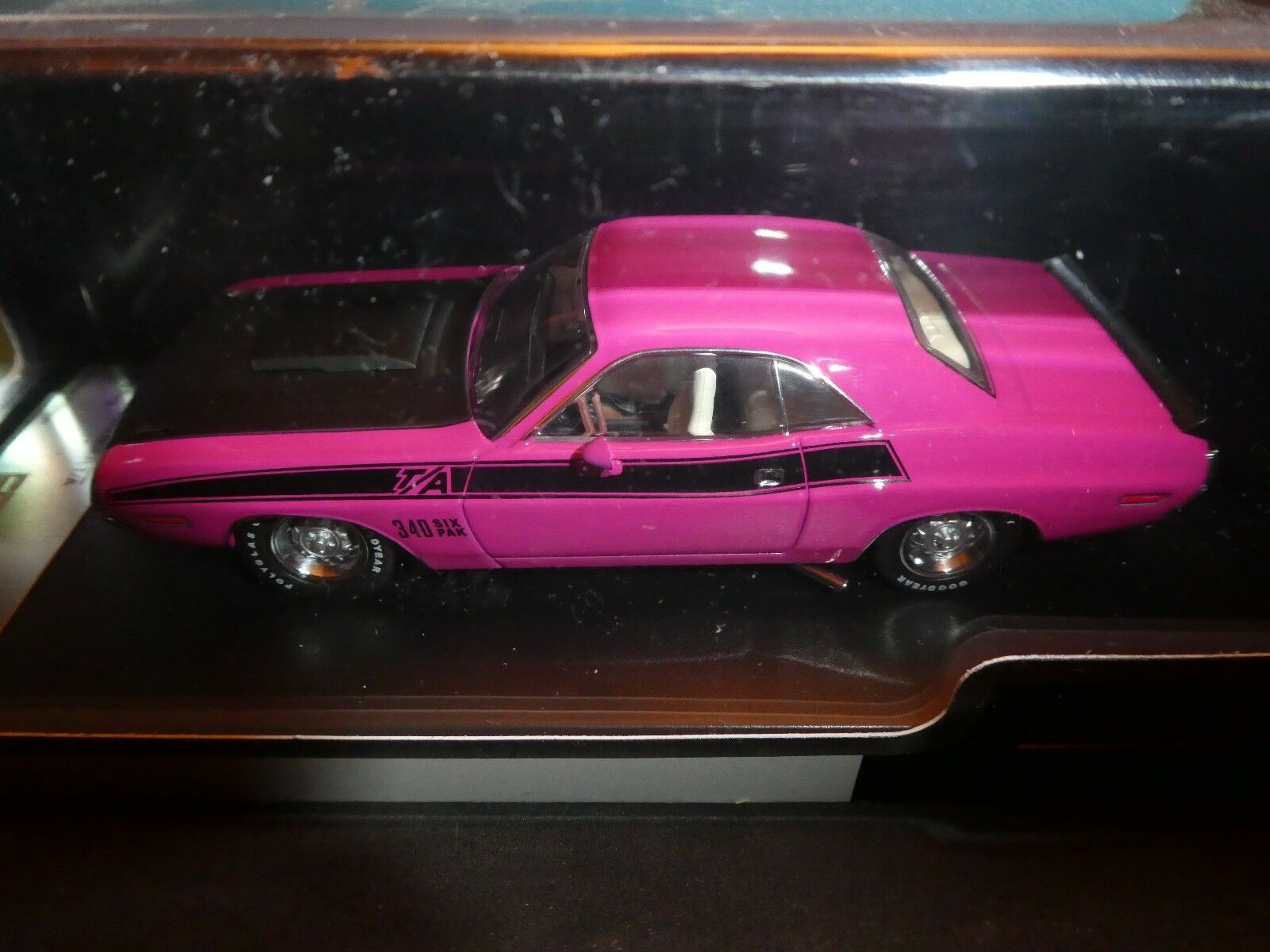 Dodge Challenger 1970 in Pink  Premium  IXO New New New issue1 43 f96df4