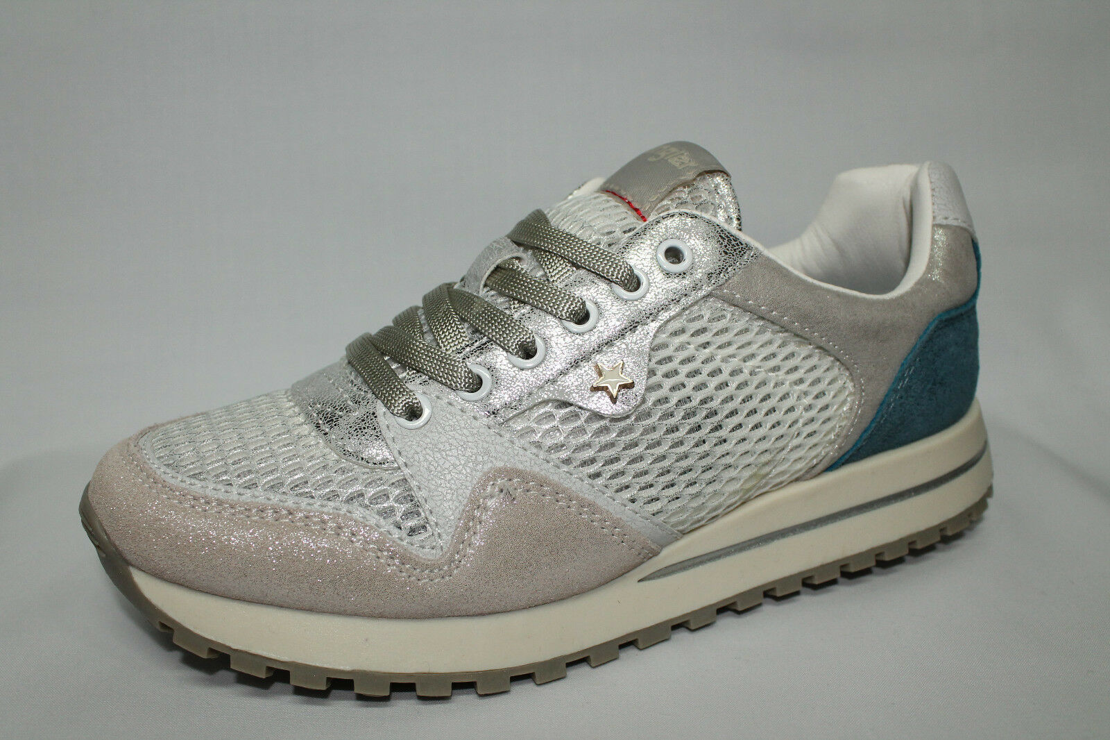 Sneakers Wrangler Beyond bianco, argento e azzurro Memory Foam list - 20%