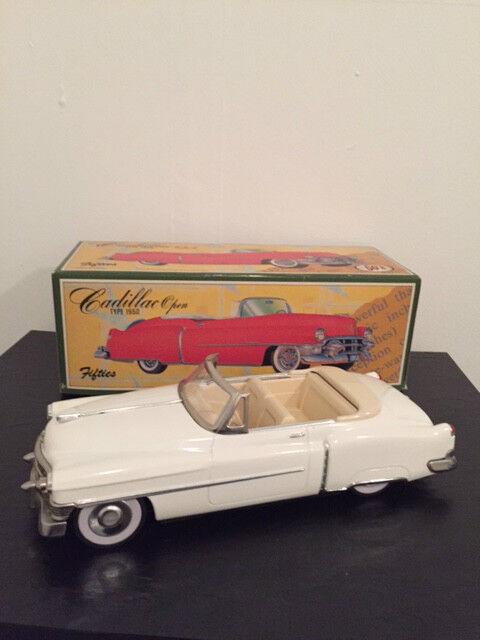 Década de 1950 Cadillac abierta coche modelo (Metal biancao) (Nuevo en Caja)