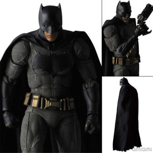 Mafex-017-DC-Comics-Batman-vs-Superman-PVC-Action-Figure-Box-Packed