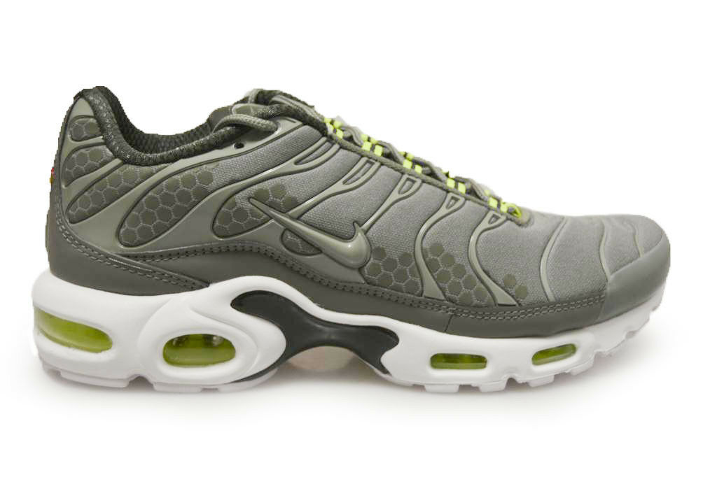 Mens Tuned 1 Air Max Plus SE TN - 918240 300 - Cargo Green blanc Trainers