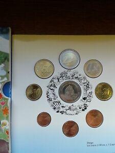 Coffret BU euros Finlande 2004 : Rahasarja II + Médaille avec 2€ commemo (FR1)