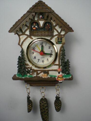 Schwarzwald Uhr Black Forrest,Mini 17 cm mit Zapfen,Uhr mit Wecker,NEU