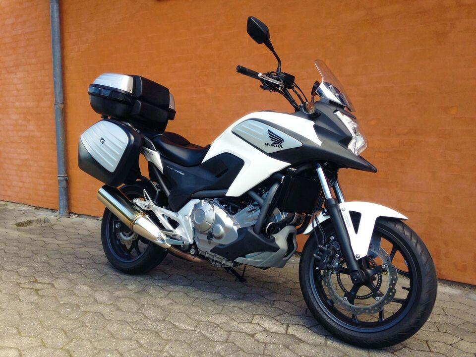 Honda, NC 700 XA, 700