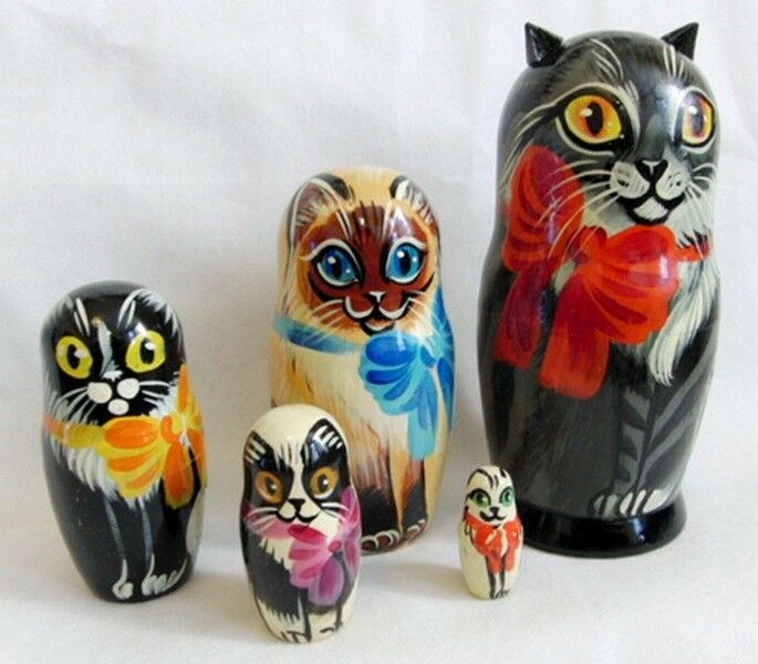 Les chats famille russe Poupee Russe En Bois Matryoshka Signé Art 5 Pcs Set 18 cm