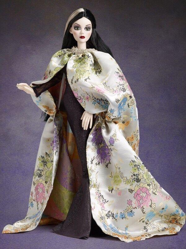 Tonner Wilde Imagination 48.3cm Evangeline Grausige Dunkel Hallways Puppe Robe