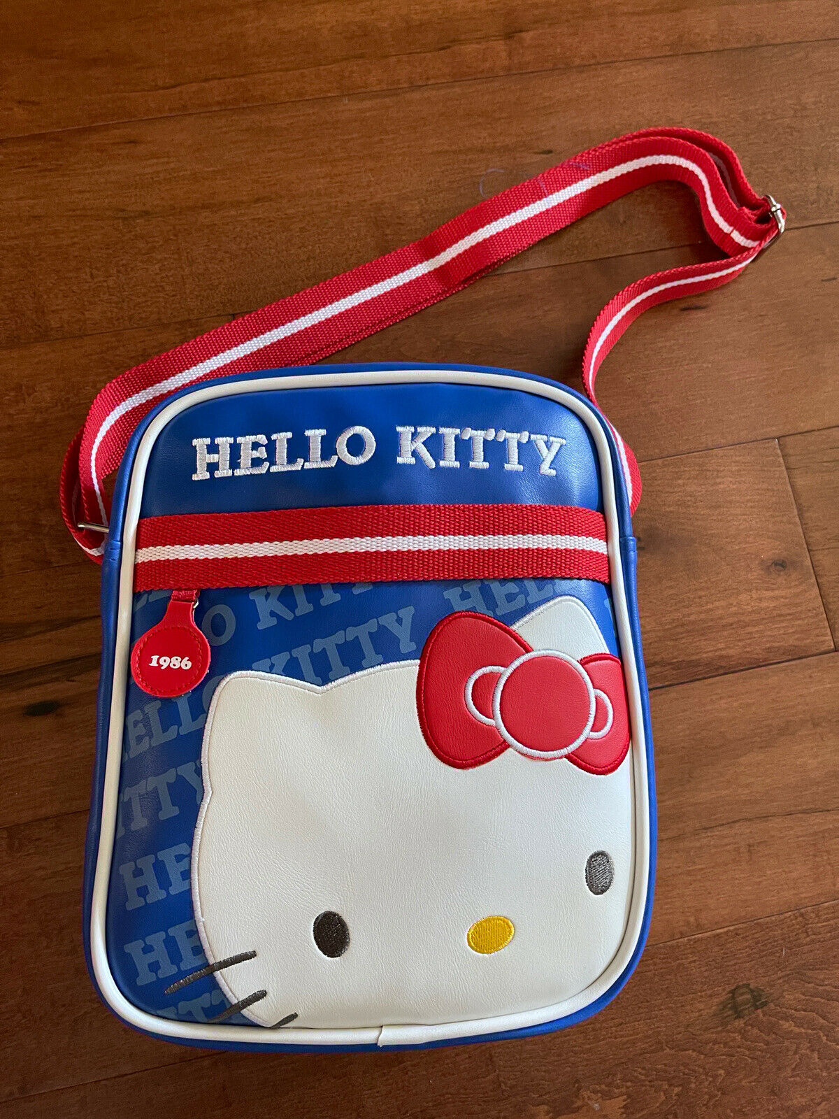 hello kitty 1987 art collectable crossbody bag red blue and white rare