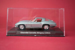 Chevrolet-Corvette-Stingray-1963-escala-1-43-DE-ALTAYA