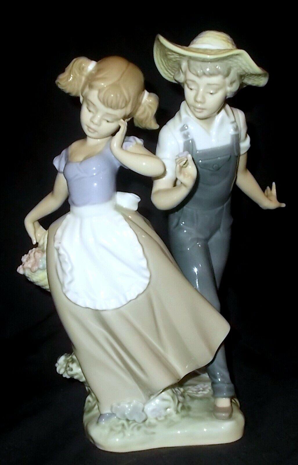 Image 1 - Lladro-LOVE-IN-BLOOM-5292-Figure-Made-in-Spain